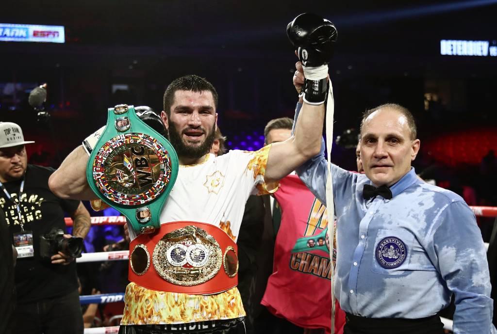 Впервые в России: защитит ли свои титулы непобеждённый боксёр Бетербиев