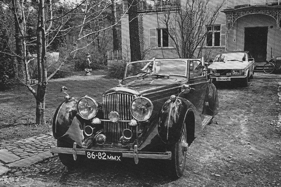 Bentley 1938. Виктор Луи, журналист.  Фото © motor.ru