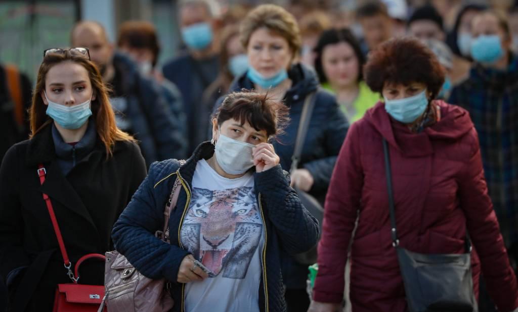 Инфекционист объяснил, почему пандемия пойдёт на спад уже в апреле