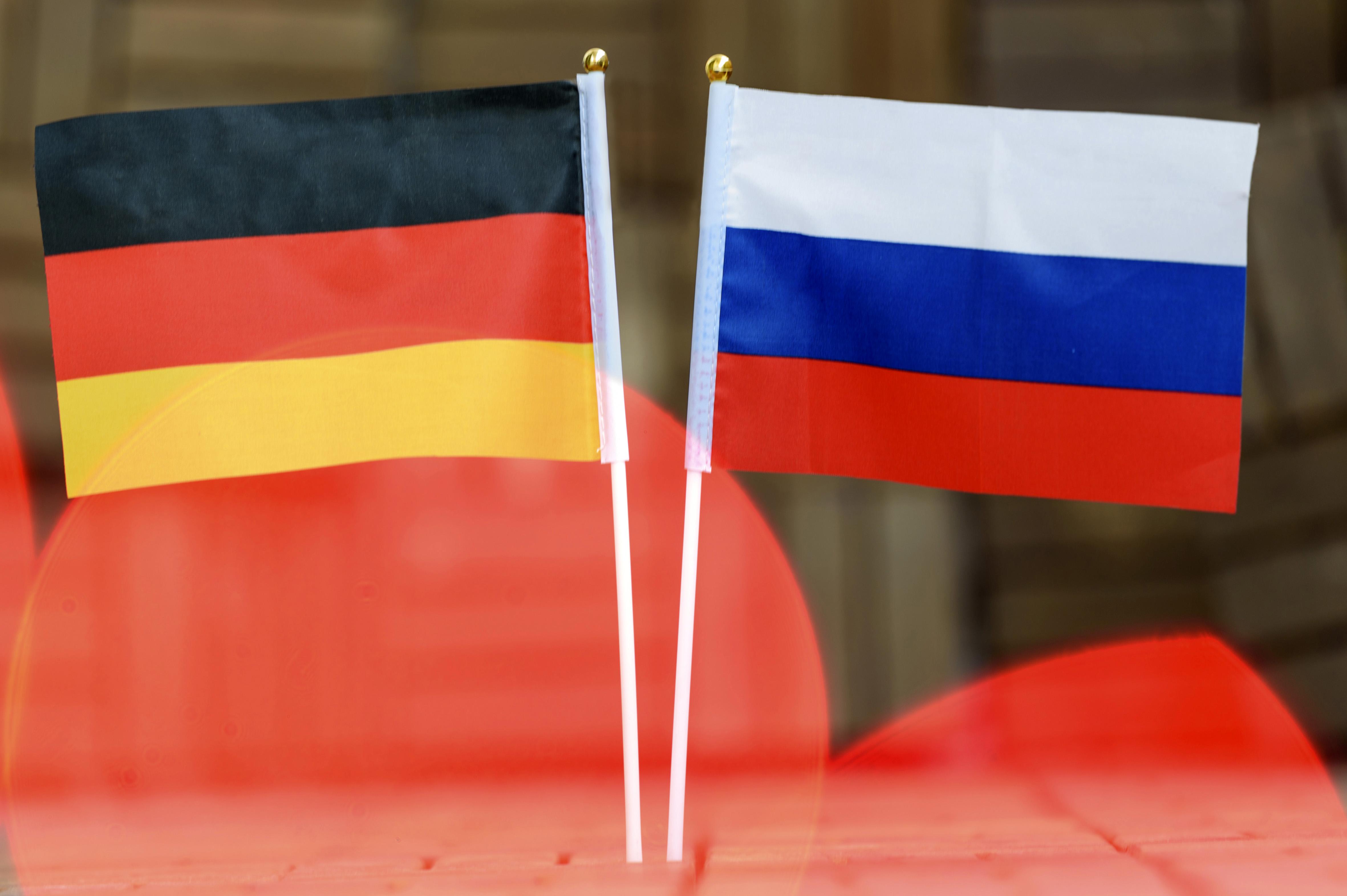 Правящая партия Германии призвала облегчить визовый режим с Россией