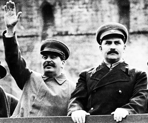 Сталин и Каганович. Фото © Public Domain