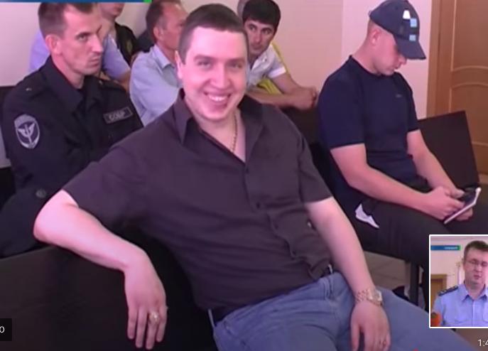 Лидер ОПГ во время вынесения приговора. © YouTube / Телекомпания Регион – Оренбург