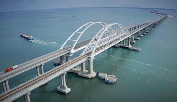 "<p>Фото © Instagram / <a href=""https://www.instagram.com/p/CJd6cO-BMyB/"" target=""_blank"" rel=""noopener noreferrer"">krymsky_bridge</a></p>"