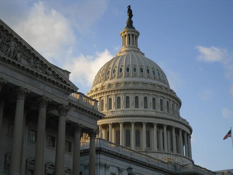 СМИ: Заседание конгресса отменили из-за опасений по поводу нового штурма Капитолия