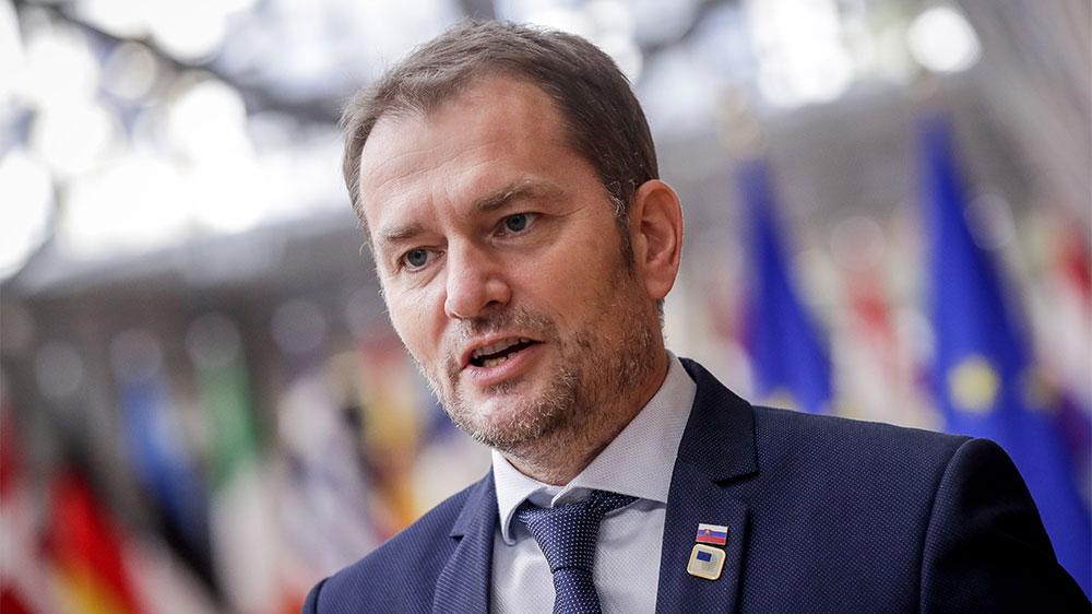 """Премьер Словакии в шутку пообещал за """"Спутник V"""" Закарпатье"""