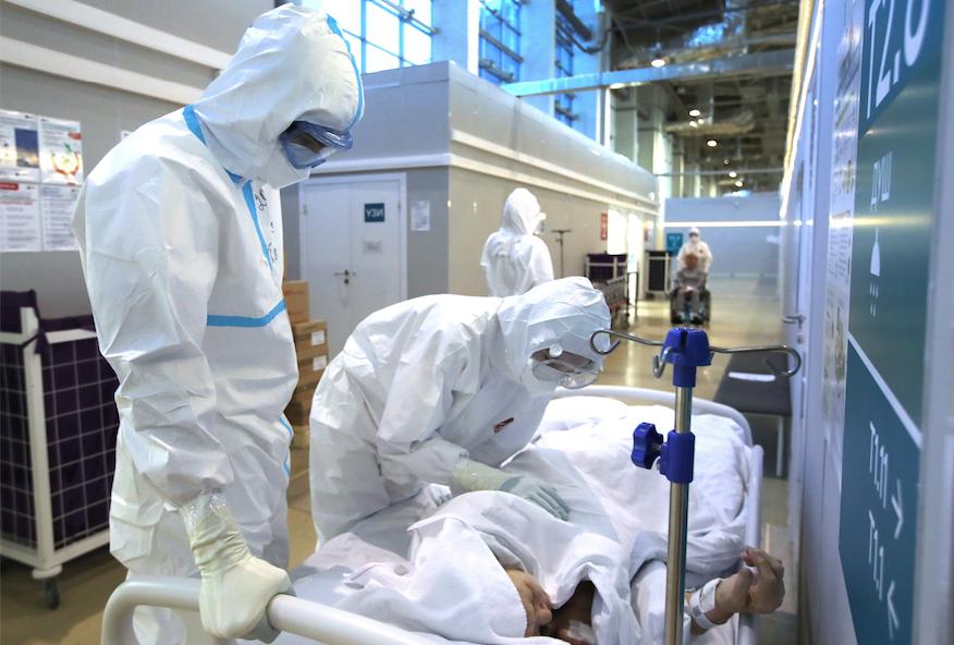 <p>Временный госпиталь для пациентов с ковидом на ВДНХ. Фото © Сергей Карпухин / ТАСС</p>
