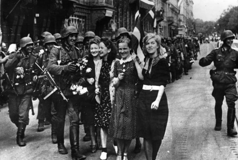 Рига приветствует немецких солдат, июль 1941 года. Фото © Wikipedia