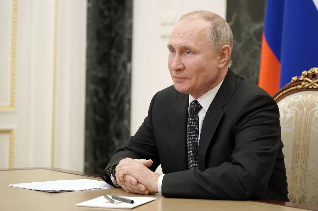 Песков прокомментировал встречу Путина с иностранцем