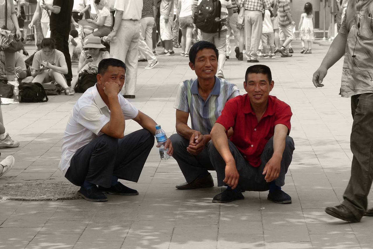 Дамы избегают кавалеров: в Китае собрались повысить пенсионный возраст