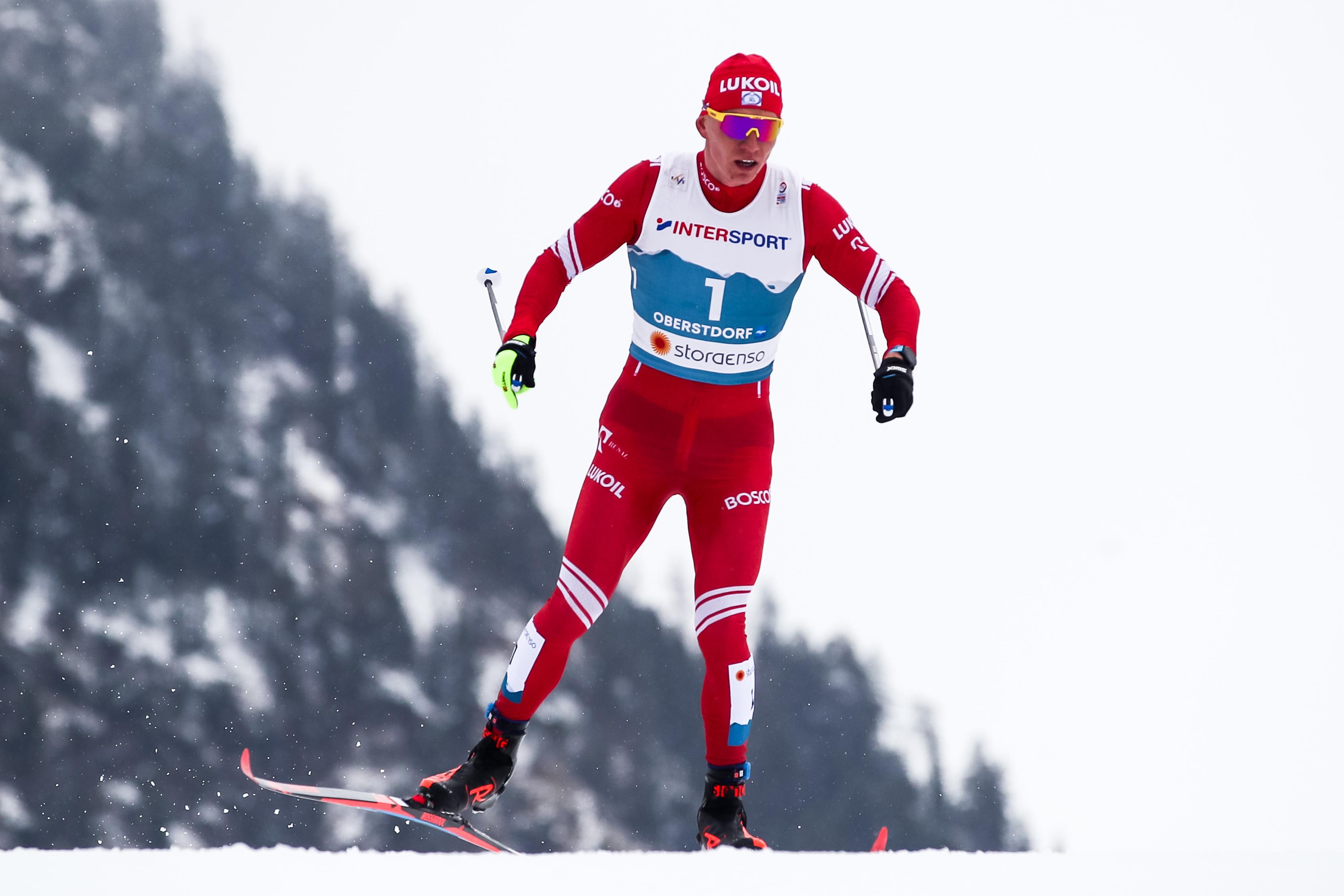 Путин поздравил лыжника Большунова с серебром в марафоне и назвал его главным героем гонки