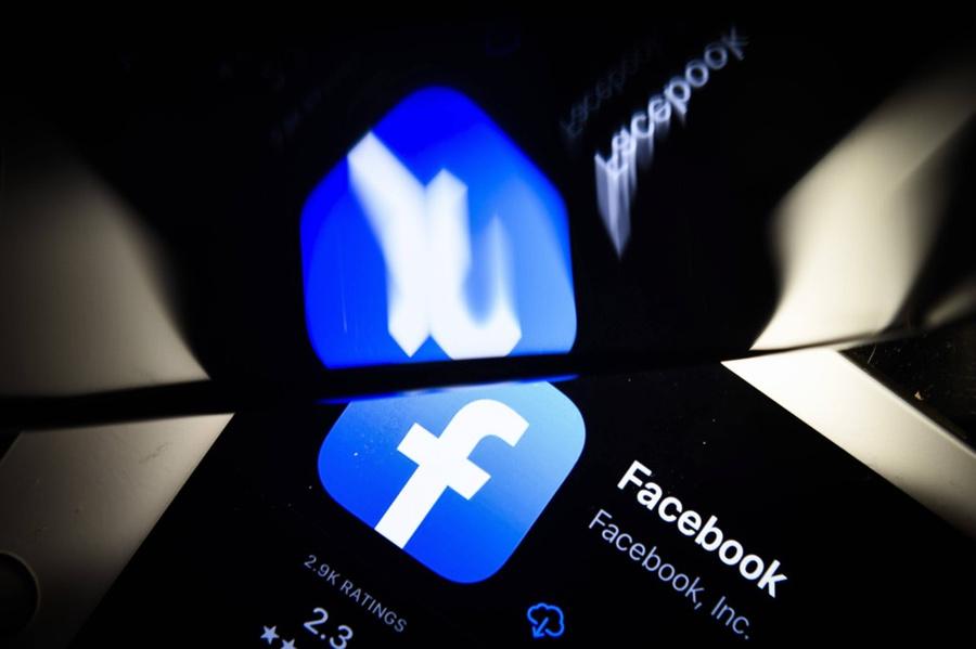 Роскомнадзор потребовал от Facebook разблокировать публикации российских СМИ