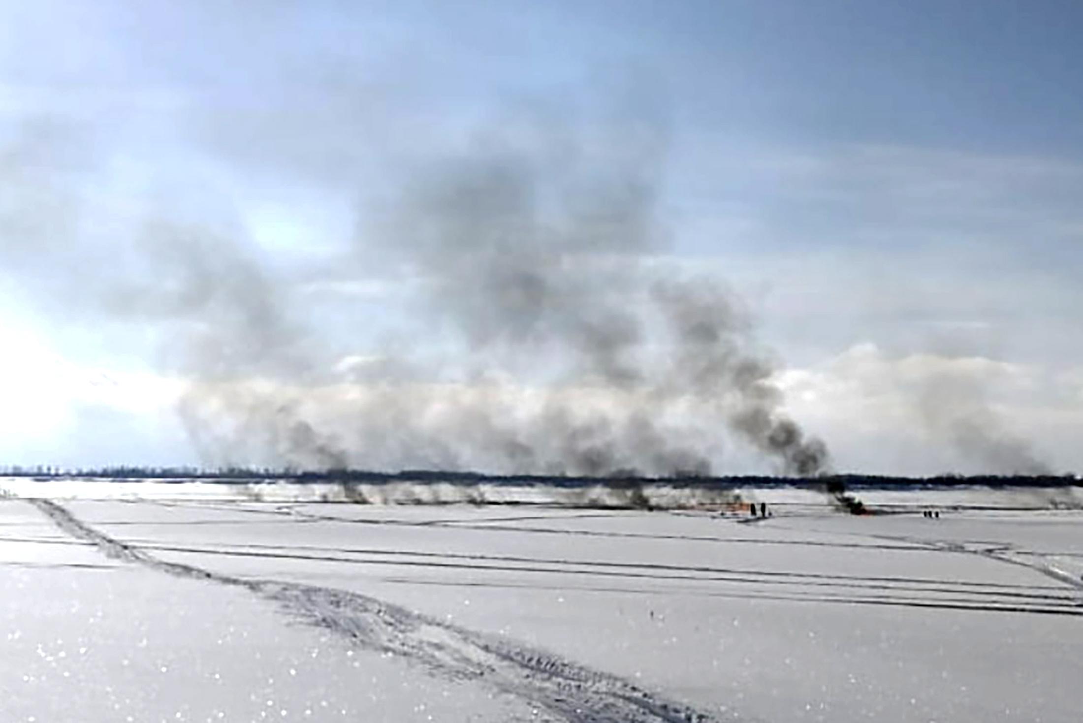 Власти озвучили предварительную причину пожара на подводном нефтепроводе в акватории Оби
