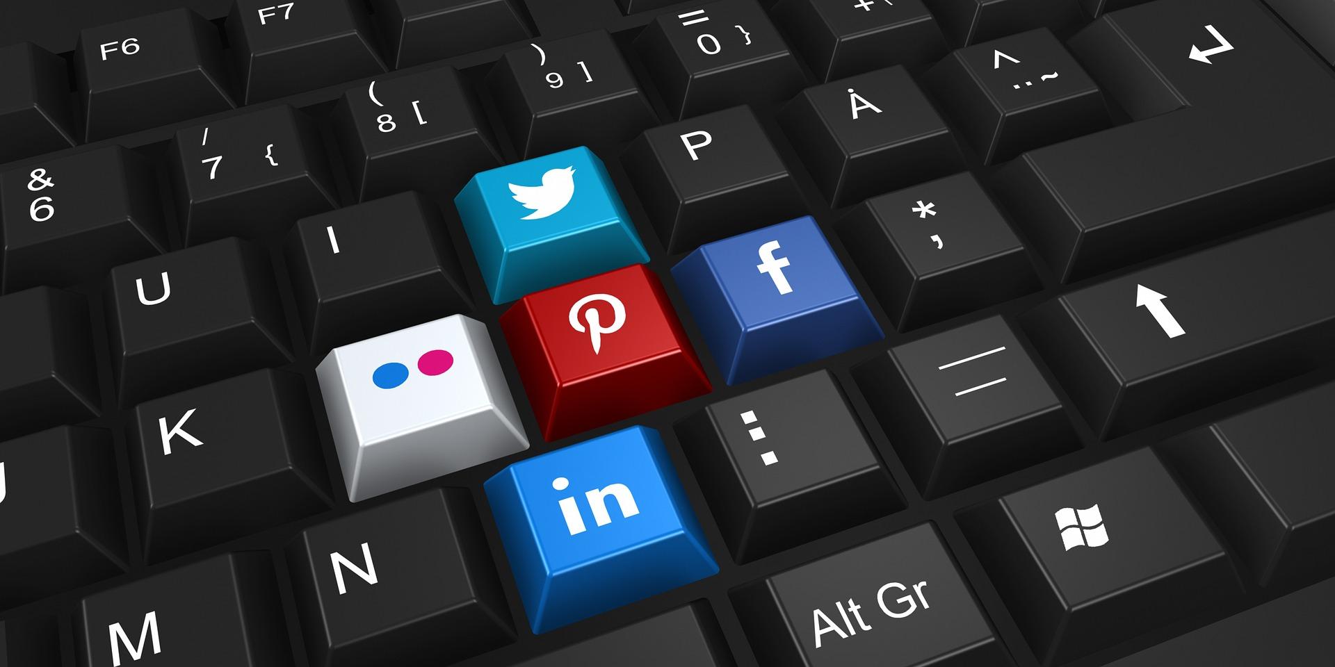 Эксперт объяснила, за публикацию каких фото в соцсетях может грозить уголовная ответственность