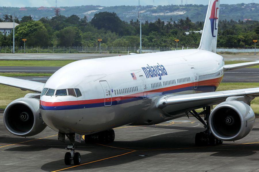 "<p>Фото © Airliners.net / <a href=""https://www.airliners.net/photo/Malaysia-Airlines/Boeing-777-2H6-ER/2430469?qsp=eJwtjMEKwkAMBf8lZz2IINib3ktF/IGweWixuksSqEvpvxsXb8MMzEIpvx0fv9UC6sjAmh60ocLKL6NuoSfqnFWC6dhv++sQ1bL6uYYRdpxSQnHI3w8q0F+CpTa6x3gXAL00pv0hvIxWJm4POI8TresXGGcuPA=="" target=""_blank"" rel=""noopener noreferrer"">WangHaoTian</a></p>"