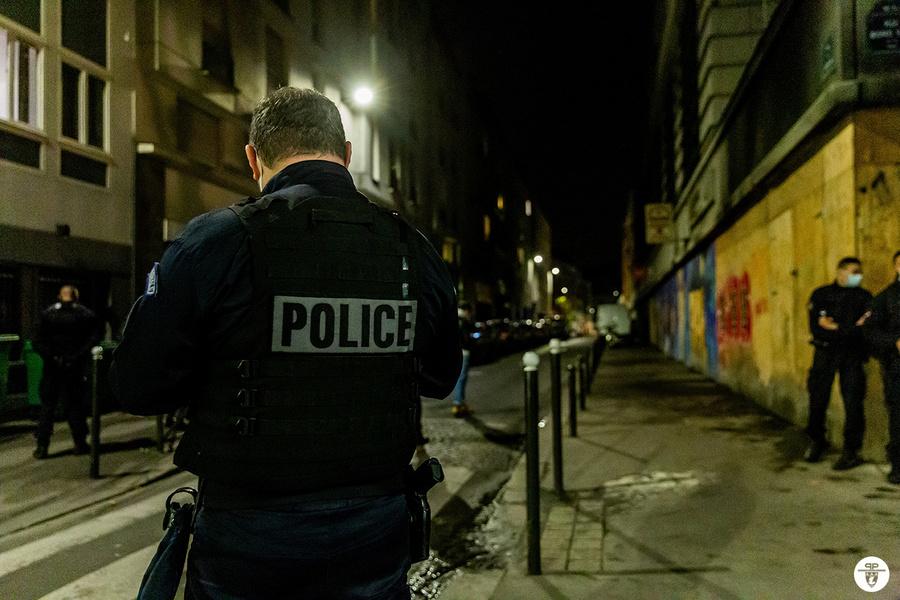 "<p>Фото © Twitter / <a href=""https://twitter.com/prefpolice/status/1380783856391979008/photo/1"" target=""_blank"" rel=""noopener noreferrer"">Préfecture de Police</a></p>"