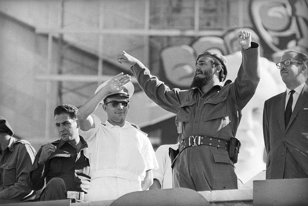 """""""Быстро нашли общий язык"""": Дочь Гагарина рассказала о дружбе отца с Фиделем Кастро"""