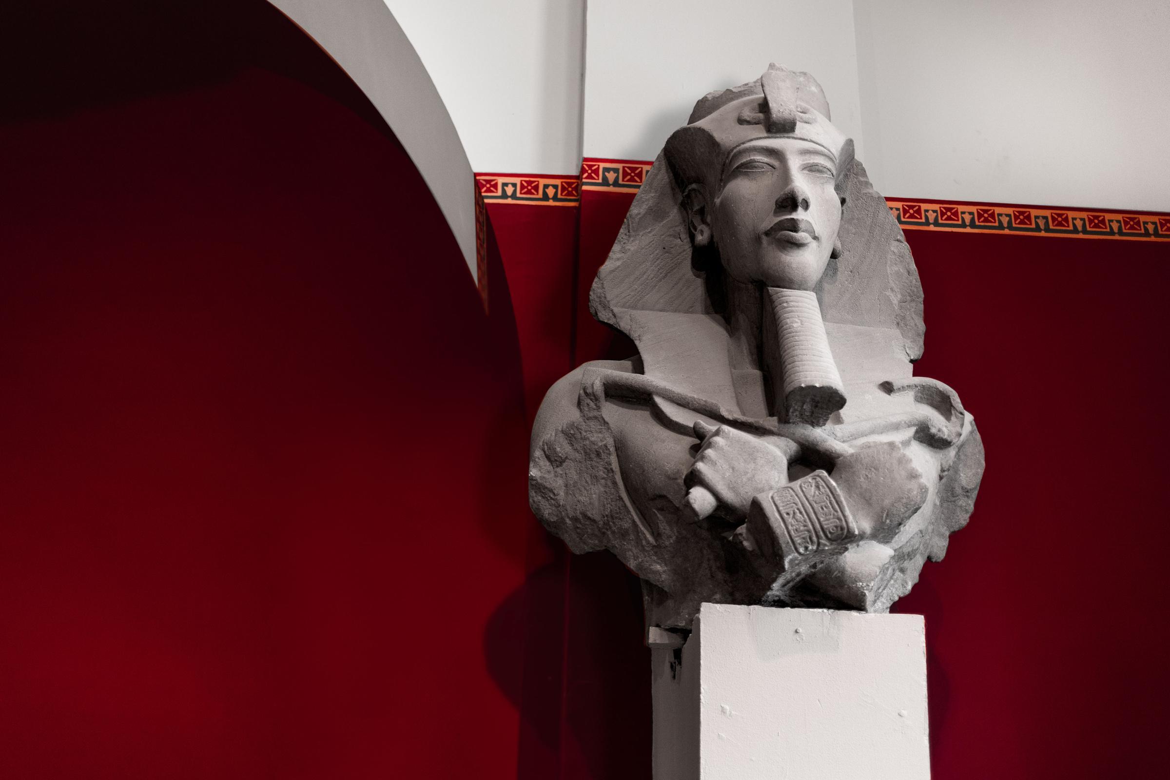 Статуя Эхнатона. Каирский музей. Фото © LIFE / Стас Вазовски