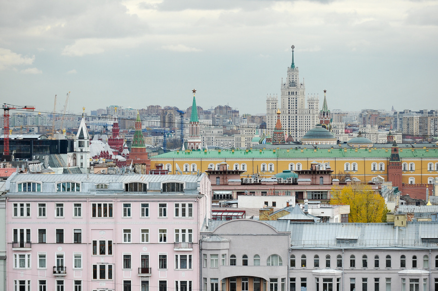 "<p>Вид на Кремль и гостиницу ""Украина"". </p><p>Фото © Агентство ""Москва"" / Александр Авилов</p>"