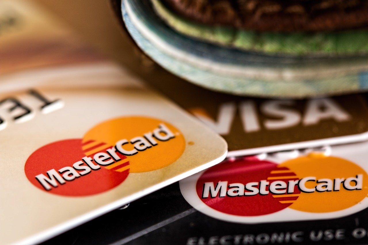 В Visa и Mastercard оценили слова о возможности отключения в России