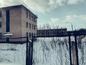 Заброшенные здания воинской части. Фото © LIFE