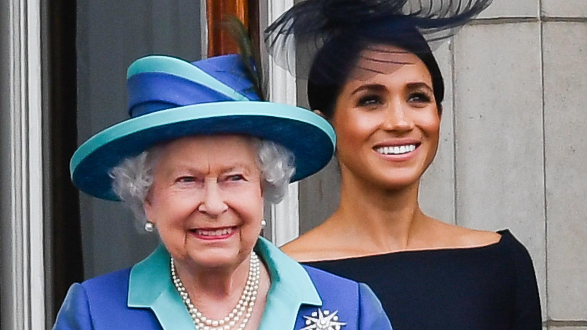 Стало известно, как Елизавета II отнеслась к решению беременной Меган Маркл не приезжать на похороны принца Филиппа