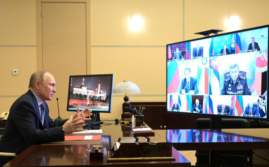 """<p>Президент Владимир Путин насовещании спостоянными членами Совета безопасности (врежиме видеоконференции).</p><p>Фото © <a href=""""http://kremlin.ru/events/president/news/65380/photos/65495"""" target=""""_blank"""" rel=""""noopener noreferrer"""">Kremlin.ru </a></p>"""