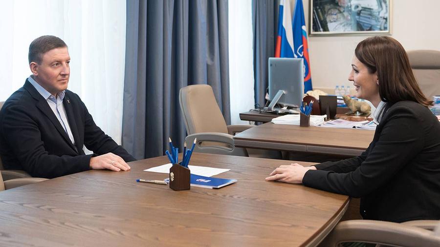 """<p>Фото © <a href=""""https://er.ru/activity/news/edinaya-rossiya-predlozhit-prezidentu-polnostyu-oplachivat-bolnichnye-roditelyam-doshkolnikov"""" target=""""_blank"""" rel=""""noopener noreferrer"""">ER.ru</a></p>"""