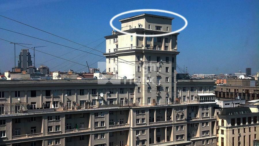 Объявления о продаже квартир в Доме актёров МХАТ, где имеется квартира у Шпигелей. Фото © cian.ru