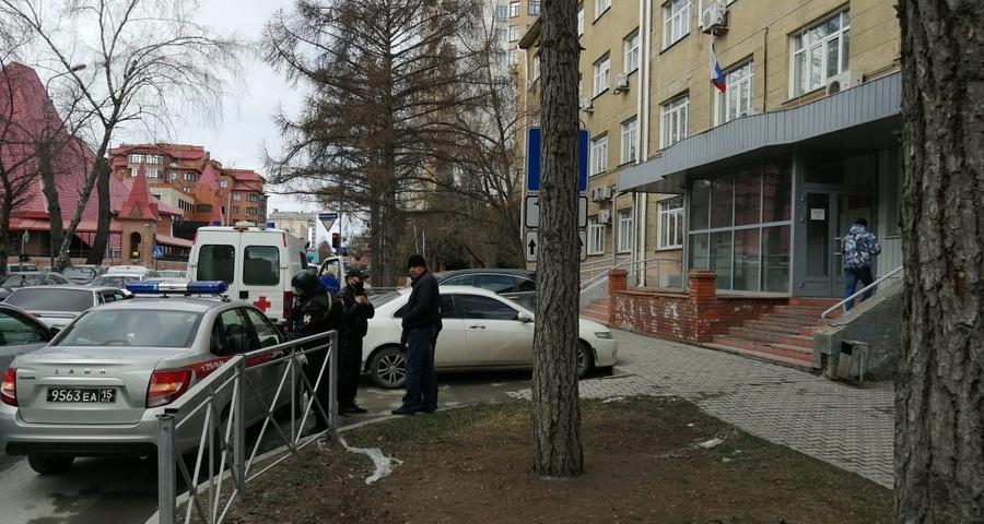 """<p>Фото © <a href=""""https://4s-info.ru/2021/04/19/v-novosibirske-podozrevaemogo-v-narkotorgovle-pri-popytke-begstva-zastrelili-konvoiry/"""" target=""""_blank"""" rel=""""noopener noreferrer"""">4s-info.ru</a></p>"""