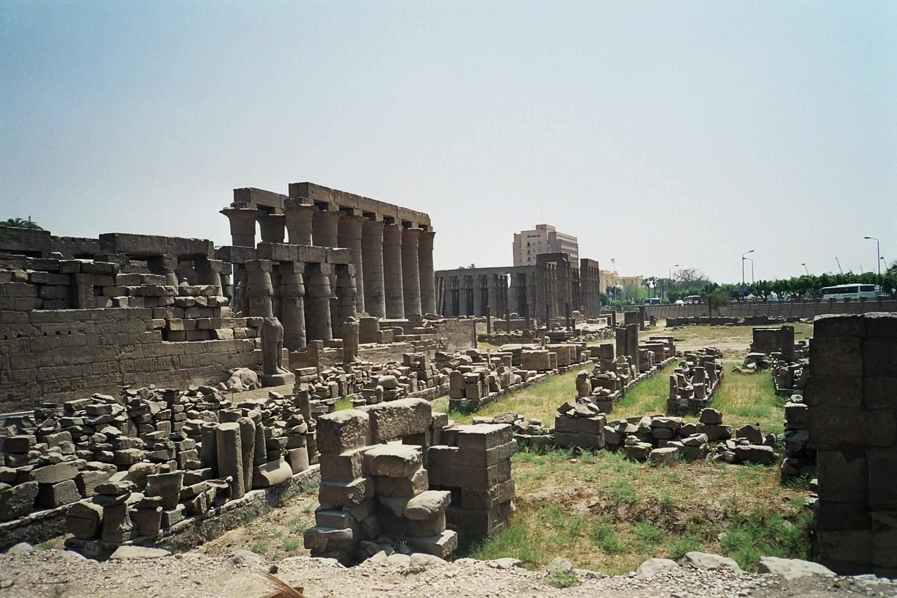 Развалины Фив. Фото © Wikipedia