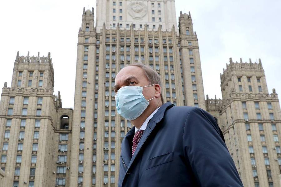 <p>Анатолий Антонов. Фото © ТАСС / Сергей Савостьянов</p>