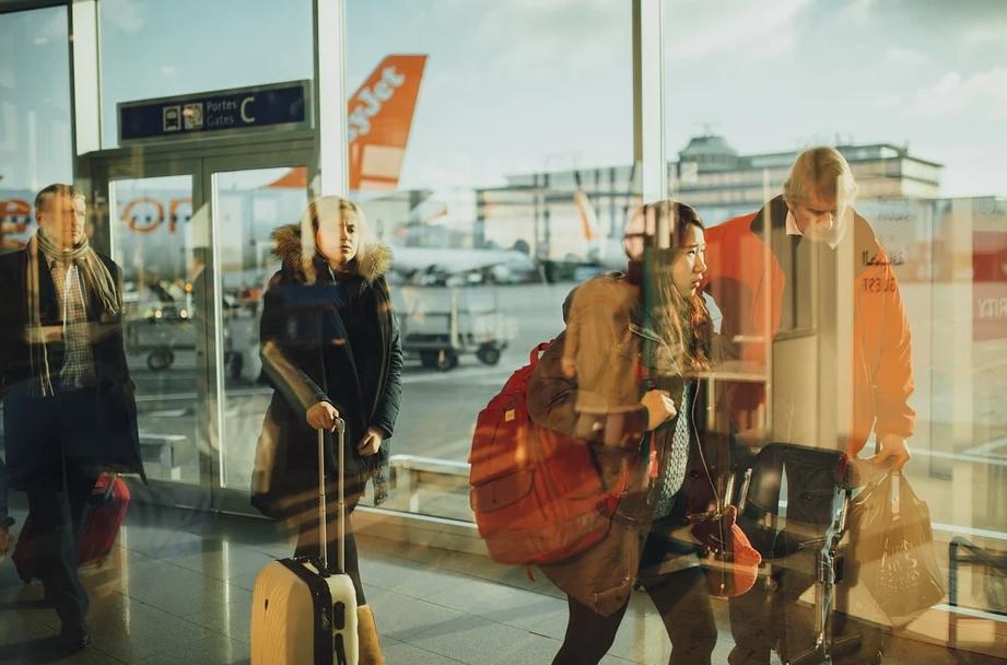 Иностранцев и лиц без гражданства выборочно протестируют на коронавирус в российских аэропортах