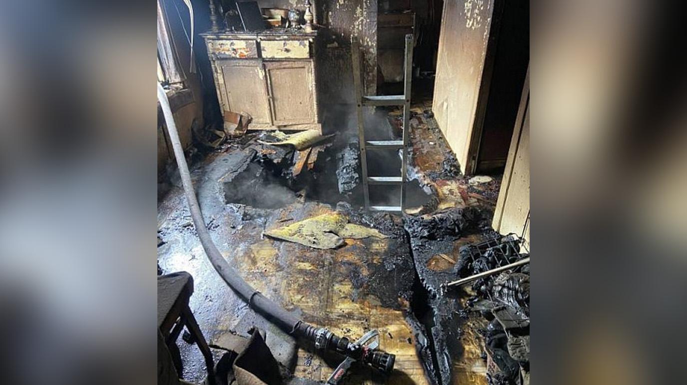 В Бурятии подросток заживо сжёг избитого соседа-пенсионера в его собственном доме
