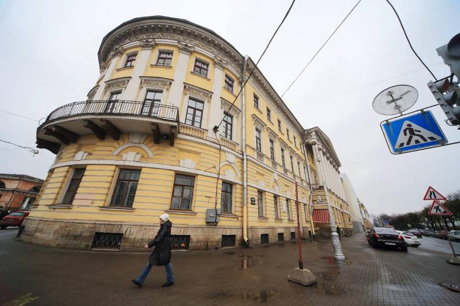 <p>Вид на здание казарм и балкон лейб-гвардии Павловского полка. Фото © ТАСС / Усманов Замир</p>
