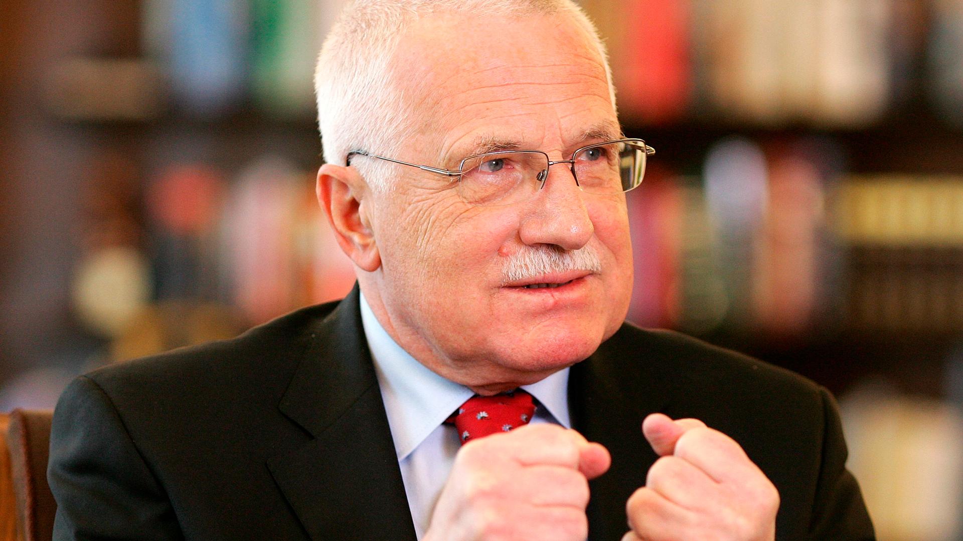 Стыдно, что лаем на одну из мировых держав: Экс-президент Чехии осудил действия Праги по отношению к России