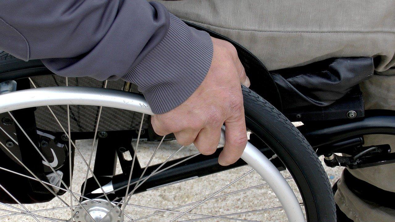 Правительство утвердило систему электронных сертификатов для людей с инвалидностью