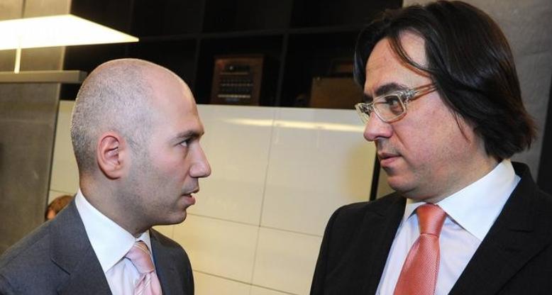 Денис Свердлов (слева) и судимый за мошенничество Сергей Адоньев. Фото ©adekvatnews.ru