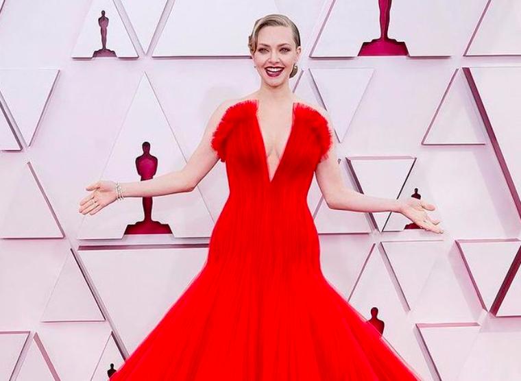 Наряды с красной дорожки премии Оскар  фото