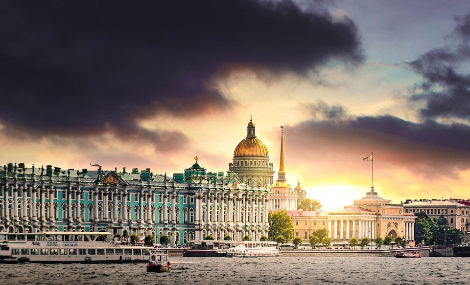 1052422870580.0319 Путин передаст Эрмитажу уникальные церковные экспонаты, изготовленные по заказу Александра II