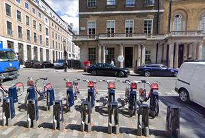 Офис Свердлова на St James's Square. Фото © Google Maps