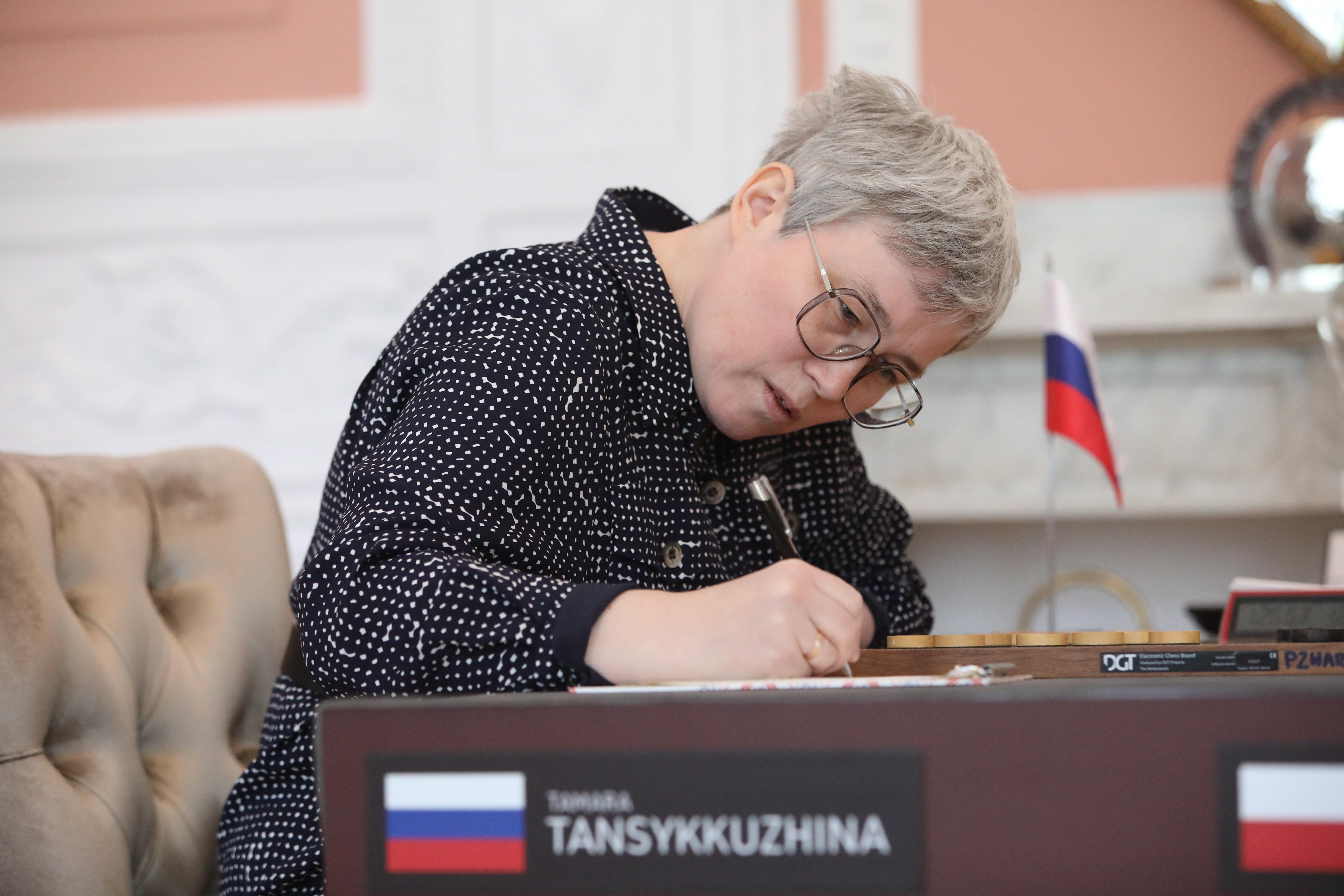 Сделали это под давлением: Российская шашистка высказалась об инциденте со снятием флага во время матча