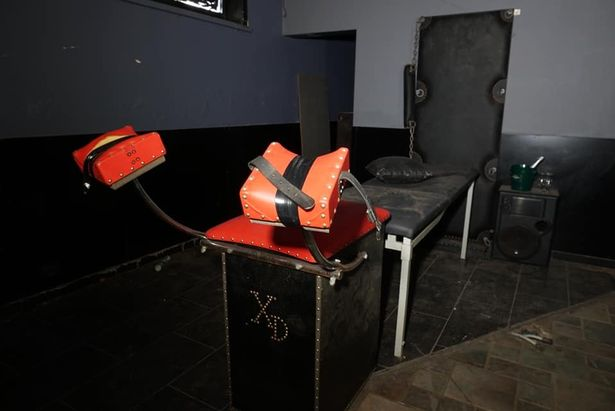 Те самые стулья. Фото © Facebook / janvanderkraan20