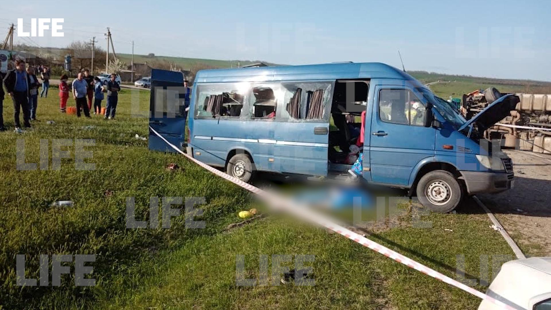 В Волгоградской области 3 мая объявили траур по погибшим в ДТП на Ставрополье детям