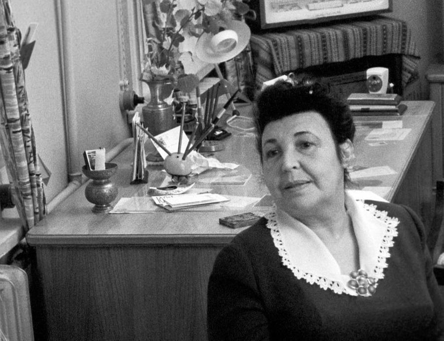 Галина Серебрякова у себя дома. 1963 Фото © ТАСС/Виктор Будан, Виктор Янков