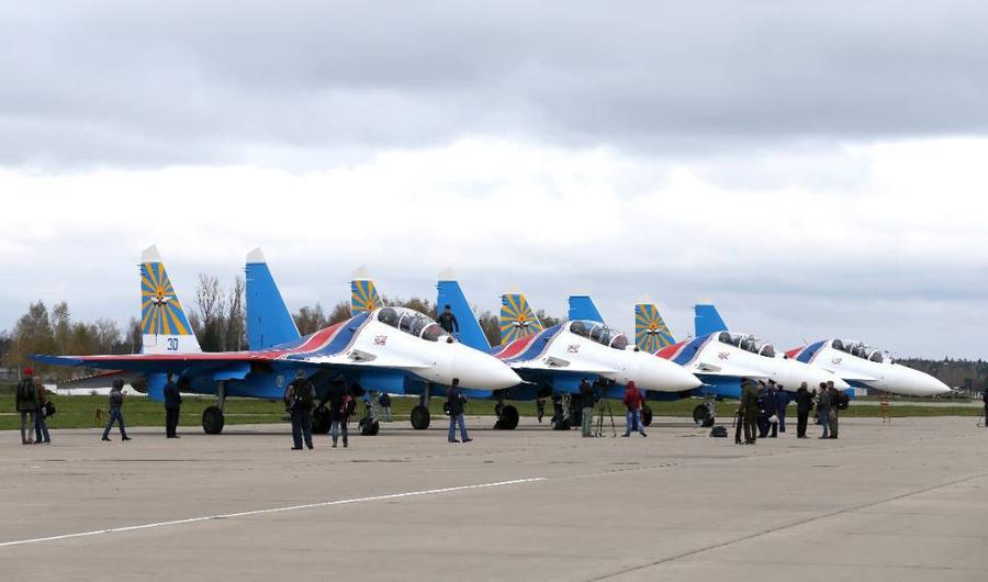 """Во время церемонии передачи новых истребителей Су-30СМ """"Русским витязям"""" в Кубинке. Фото © ТАСС / Марина Лысцева"""