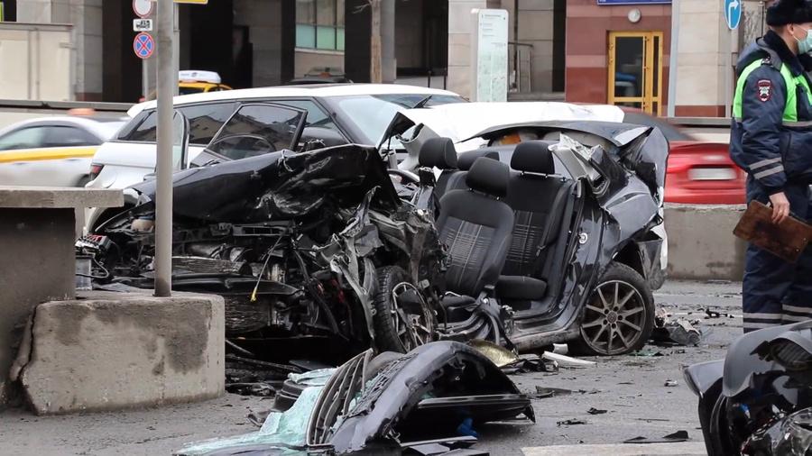 <p>Всё, что осталось от авто пострадавшей. Фото © LIFE</p>