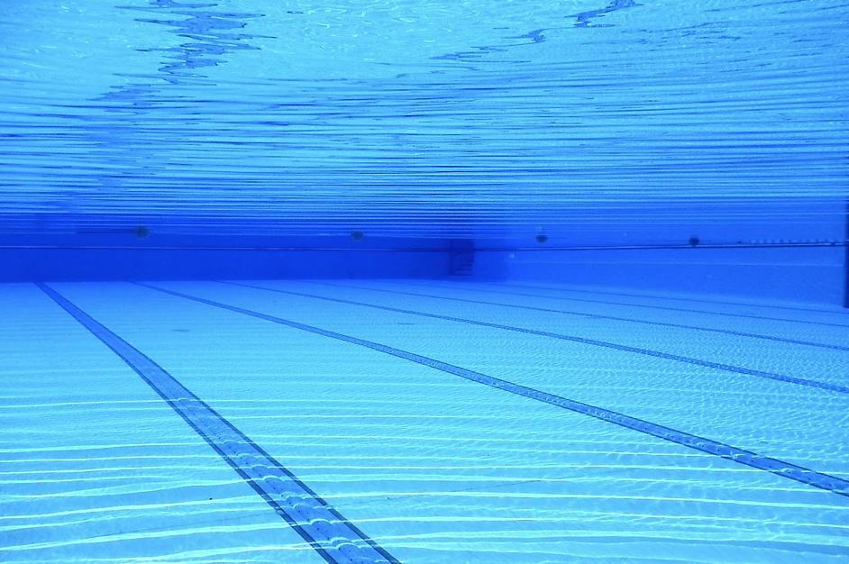 932370845016.3323 Посетитель утонул в бассейне московского фитнес-клуба