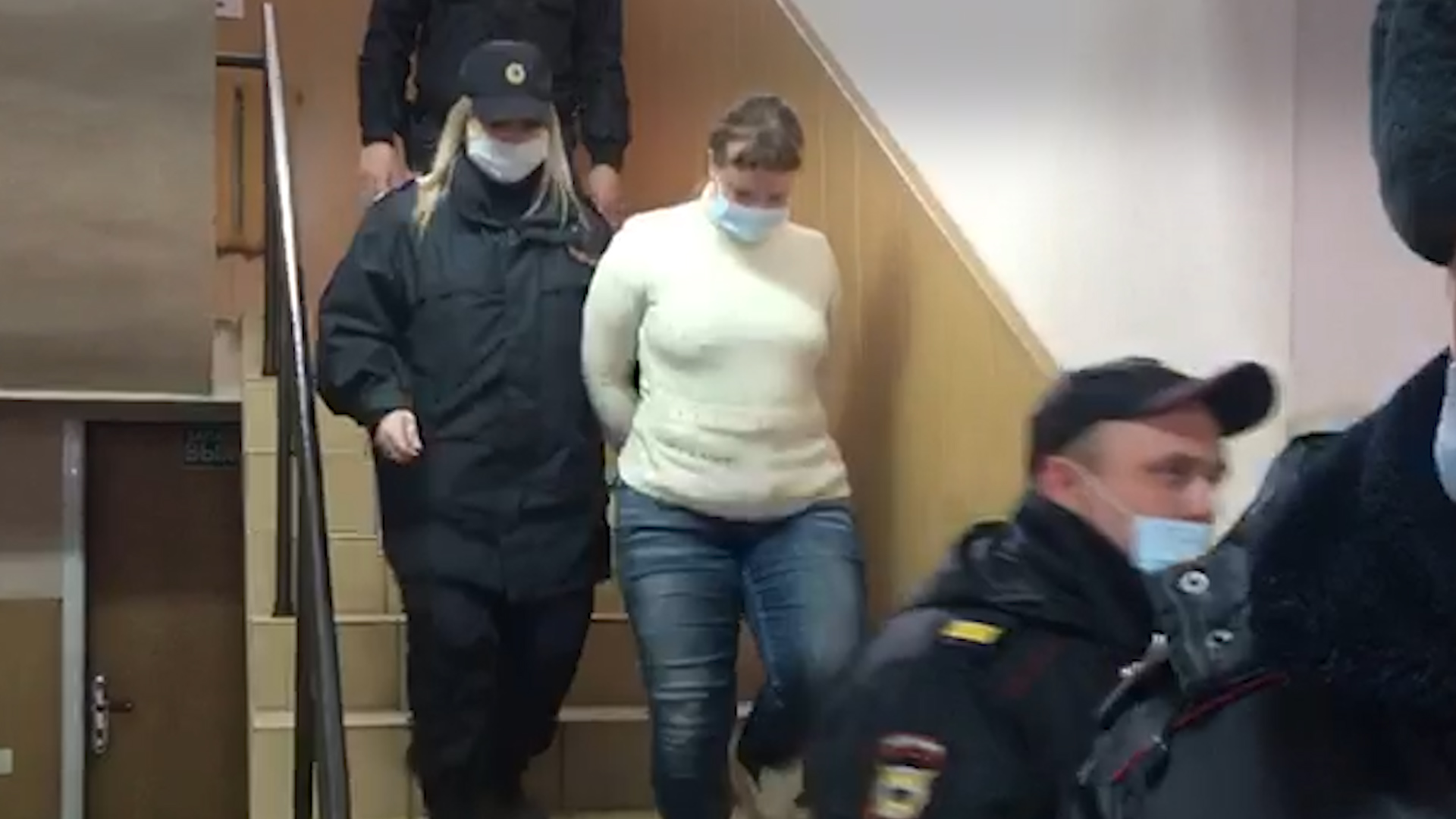 970151395725.7214 Мать и отчима из Ростовской области арестовали за издевательства над истощённой дочерью
