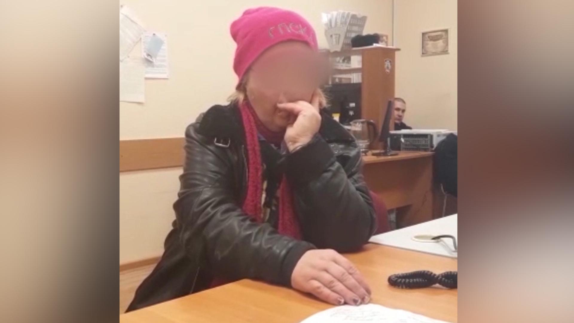 Мне нужна горячая еда: Женщина объяснила, зачем жарила яичницу на Вечном огне в Пушкине