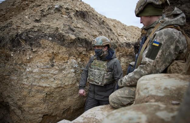 1293221901115.6414 На позициях Украины в Донбассе после визита Зеленского заменили флаг вермахта